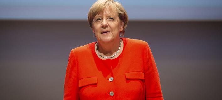 Διπλωματική λύση για την επίλυση της κρίσης προτείνει η Μέρκελ (Φωτογραφία: AP/ Christoph Schmidt)