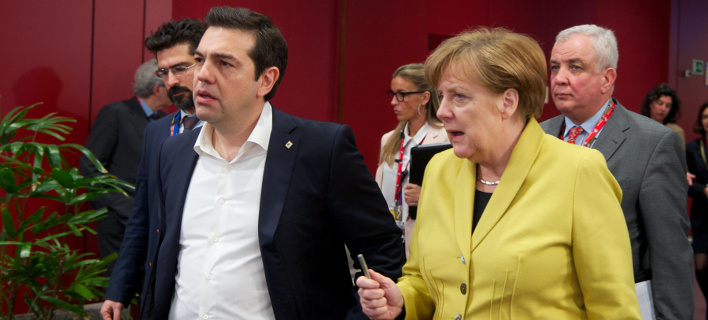 Politico: Γιατί η Ελλάδα είναι «de facto αποικία» της Γερμανίας -Χλευάζουν τον Τσίπρα για τις επαφές για το χρέος
