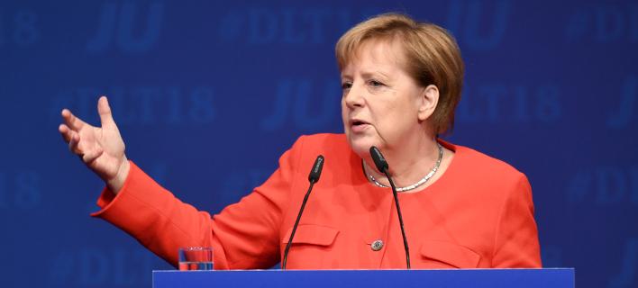 Η Άγγελα Μέρκελ θεωρεί εφικτή την επίτευξη συμφωνίας για την αποχώρηση της Αγγλίας από την Ευρώπη/ φωτογραφία: ap
