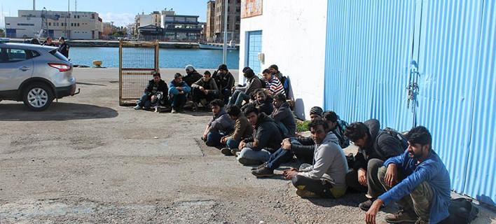 Στη Μεσσηνία φιλοξενούνται οι 87 μετανάστες που εντοπίστηκαν στην Πύλο [εικόνες]