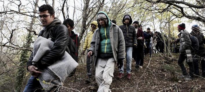 Μεταναστευτικό: Αντιδράσεις από τους κατοίκους στα σχέδια της κυβέρνησης για κέντρα υποδοχής σε Σχιστό και Σίνδο