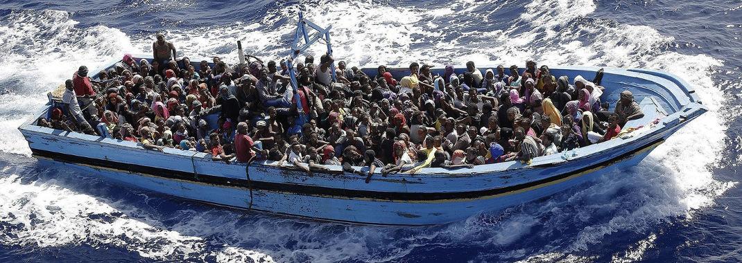Η μεγαλύτερη τραγωδία της Μεσογείου: 700 μετανάστες νεκροί στη θάλασσα [εικόνες]