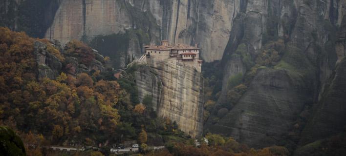 Η Ιερά Μονή Ρουσάνου στα Μετέωρα/ Φωτογραφία: EUROKINISSI- ΘΑΝΑΣΗΣ ΚΑΛΛΙΑΡΑΣ