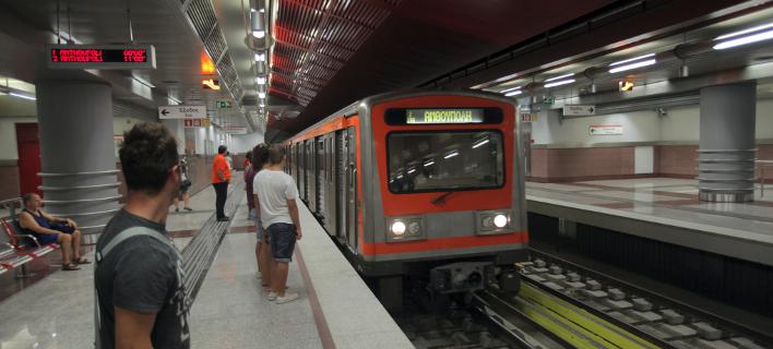 Τι δώρα θα κερδίζουν οι επιβάτες που θα κάνουν ανακύκλωση στους σταθμούς του μετρό και του τραμ [εικόνες]