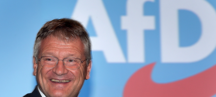 Ο επικεφαλής του AfD, Γιεργκ Μόιτεν έχει κάθε λόγο να είναι χαρούμενος (Φωτογραφία: ΑΡ)