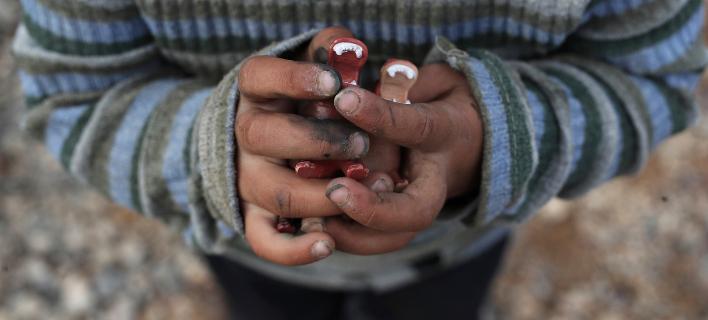 3.640 ασυνόδευτα προσφυγόπουλα ζουν, σύμφωνα με στοιχεία του Οκτωβρίου, στην Ελλάδα (Φωτογραφία αρχείου: ΑΡ/Petros Giannakouris)