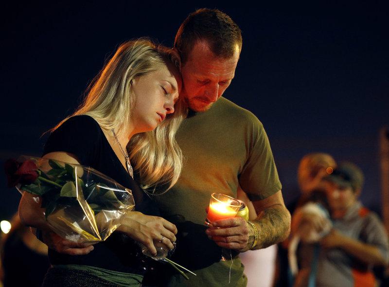 Θρήνος για τα θύματα στο Μιζούρι/ Φωτογραφία AP images