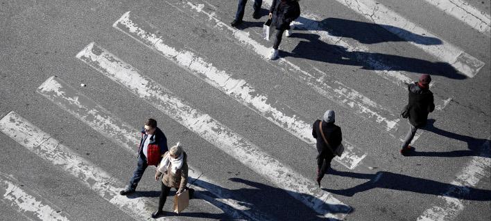Βούλιαξαν οι μισθοί στα χρόνια της κρίσης/Φωτογραφία: Eurokinissi