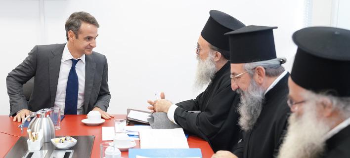 Συνάντηση με ιερείς της Εκκλησίας Κρήτης είχε ο Κ. Μητσοτάκης -Φωτογραφία: Γρ. Τύπου ΝΔ