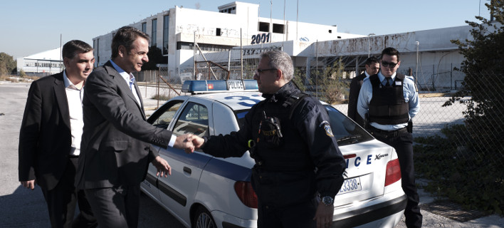 Ο Κυριάκος Μητσοτάκης στο πρώην αεροδρόμιο του Ελληνικού