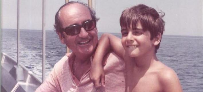 Με μια φωτογραφία μαζί του, από την παιδική του ηλικία, αποχαιρετά ο Κυριάκος Μητσοτάκης τον πατέρα του -«Σε ευχαριστώ για όλα» [εικόνα]