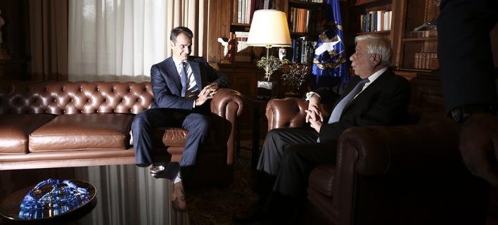 Μητσοτάκης σε Παυλόπουλο: Εκλογές τώρα -Είναι η μόνη λύση για να φύγουμε από την πολιτική παρακμή