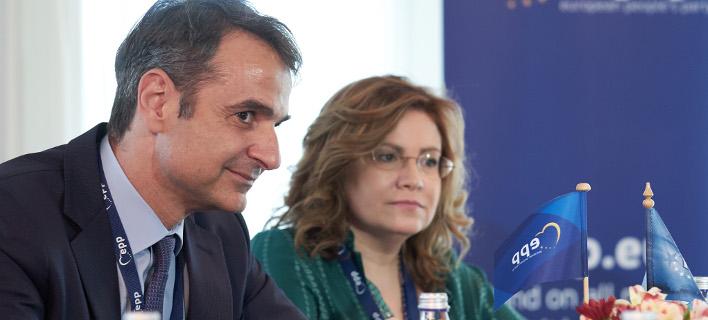 Ο πρόεδρος της ΝΔ με την Μαρία Σπυράκη / Φωτογραφία: Intimenews-ΠΑΠΑΜΗΤΣΟΣ ΔΗΜΗΤΡΗΣ