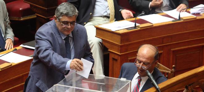 Δεν εξελέγη ο αντιπρόεδρος της Χρυσής Αυγής - Πήρε μόνο 23 διακομματικές ψήφους
