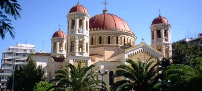 Σε συλλήψεις μετατράπηκαν οι 26 προσαγωγές για την εισβολή στη Μητρόπολη Θεσσαλονίκης