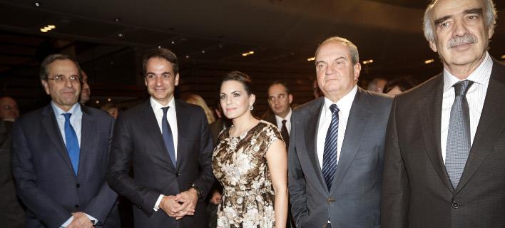 Φωτογραφία: Η Ολγα Κεφαλογιάννη υπό το βλέμμα του νυν αλλά και τεσσάρων πρώην προέδρων της ΝΔ/Eurokinissi