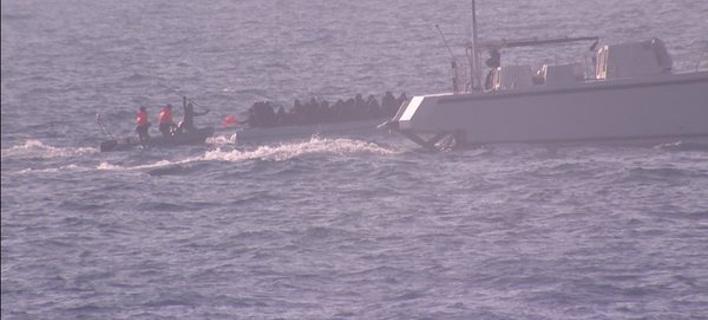 Channel 4: Η τουρκική ακτοφυλακή προσπάθησε να βυθίσει λέμβο με πρόσφυγες μέσα στα ελληνικά χωρικά ύδατα [εικόνες & βίντεο]