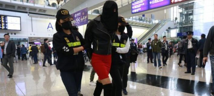 Στο Χονγκ Κονγκ οι γονείς της 19χρονης με την κοκαΐνη -Κινδυνεύει με 26 χρόνια φυλακή