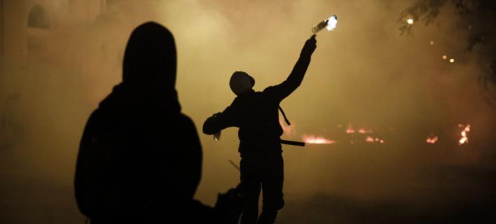 Νέες επιθέσεις με βόμβες μολότοφ στα Εξάρχεια (Φωτογραφία αρχείου: EUROKINISSI/ΣΤΕΛΙΟΣ ΜΙΣΙΝΑΣ)