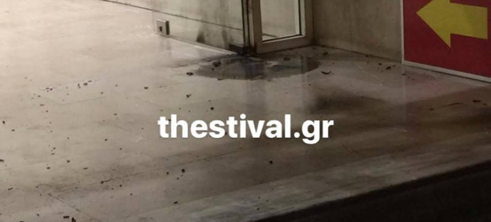 Επίθεση με μολότοφ στα γραφεία του ΣΥΡΙΖΑ στη Θεσσαλονίκη -Φθορές σε ένα όχημα