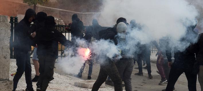 Κάθε εβδομάδα επεισόδια στην Αθήνα, γράφει η Handelsblatt (Φωτογραφία: EUROKINISSI/ ΤΑΤΙΑΝΑ ΜΠΟΛΑΡΗ)