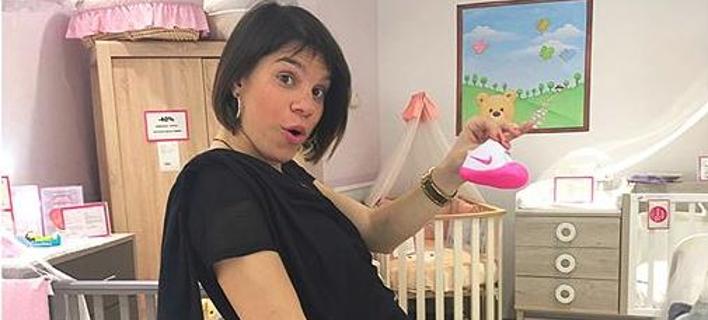 Εγκυος η τραγουδίστρια Μόνικα -Αποκάλυψε στο Instagram το φύλο του μωρού της [εικόνα]