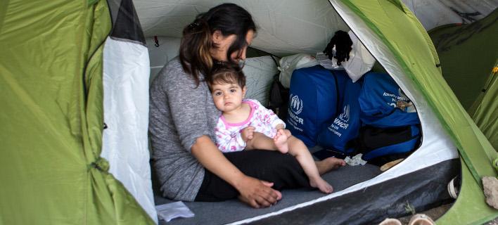 «Οι μητέρες που ζουν στη Μόρια, μένουν ξάγρυπνες όλη νύχτα, προκειμένου να προσέχουν τα παιδιά τους» περιγράφει το Newsweek -Φωτό αρχείουΣ Intimenews/ΚΑΠΑΝΤΑΗΣ ΔΗΜΗΤΡΗΣ