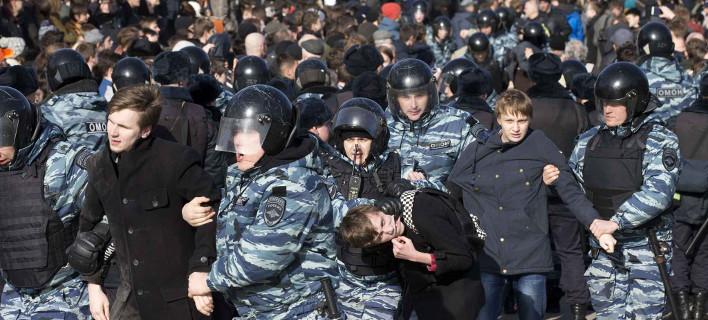 Ρωσία: Η γενιά Πούτιν κατέβηκε για πρώτη φορά στους δρόμους [εικόνες]