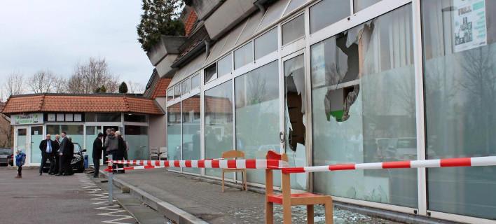 Εμπρηστική επίθεση σε τζαμί στη νότια Γερμανία -Αναζητούνται πέντε άτομα [εικόνες & βίντεο]