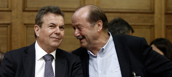 Ο υφυπουργός Κοινωνικής Ασφάλισης, Τάσος Πετρόπουλος με τον μέχρι σήμερα διοικητή του ΕΦΚΑ, Θανάση Μπακαλέξη/Φωτογραφία: Eurokinissi