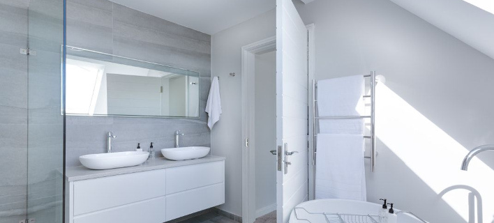 Στο εσωτερικό ενός μπάνιου/ Φωτογραφία: Unsplash