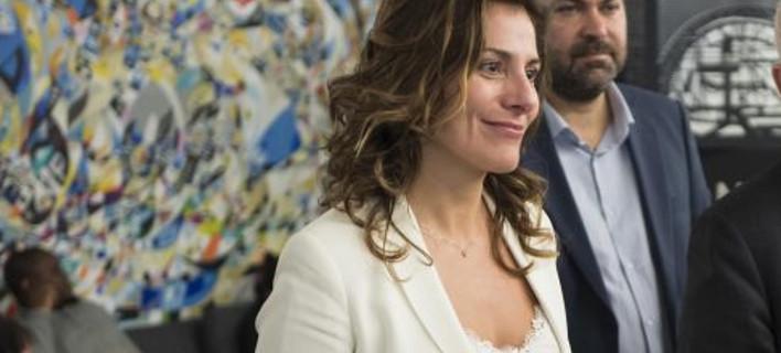 Η Εμινέ Ερντογάν κάλεσε για τσάι στο ξενοδοχείο Μεγάλη Βρετάννια την Περιστέρα Μπαζιάνα