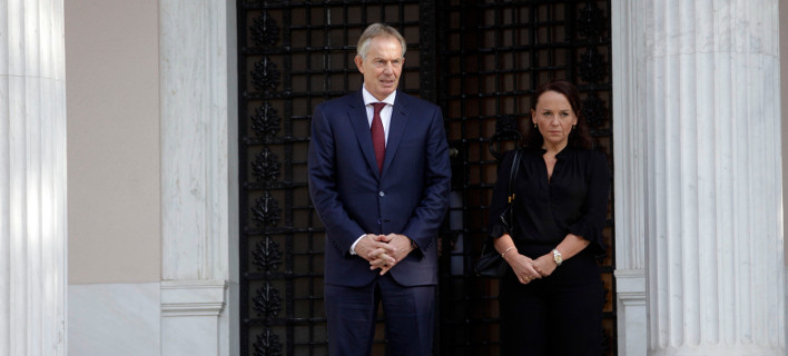 O Τόνι Μπλερ θέλει να «επιστρέψει» -Για να εμποδίσει τη Μέι από «σκληρό Brexit»