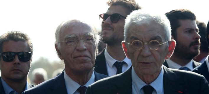Ο Γιάννης Μπουτάρης και ο Βασίλης Λεβέντης (πίσω) στην στρατιωτική παρέλαση της Θεσσαλονίκης-Φωτογραφία: Eurokinissi/Φανή Τρυψάνη