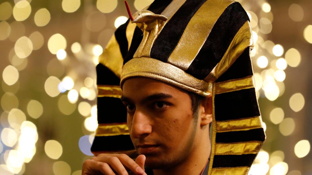 Τι γυρεύει ο Φαραώ στη Μόσχα; Ετοιμάζεται για τη σέντρα του Μουντιάλ -Φωτογραφία: AP Photo/Rebecca Blackwell