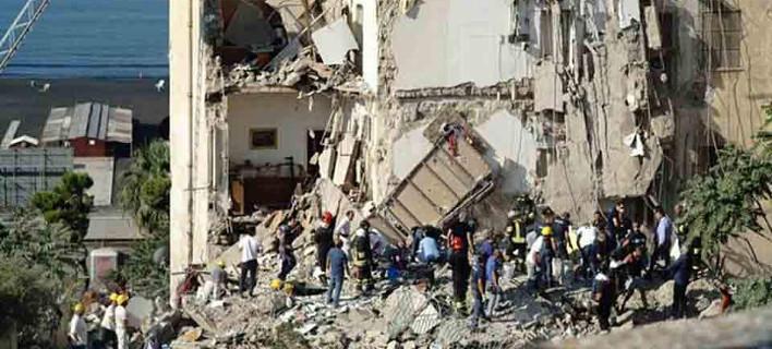 Εκτακτο: Κατέρρευσε κτίριο κοντά στη Νάπολη -Υπάρχουν εγκλωβισμένοι [βίντεο]