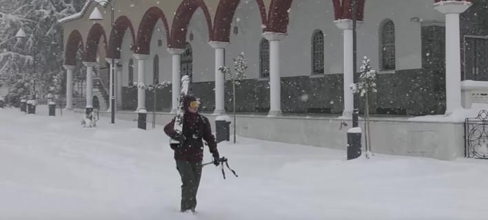 Κατάβαση με σκι από τον Αγιο Αχίλλειο έκαναν οι Λαρισαίοι -Από τα 72 μέτρα [βίντεο]