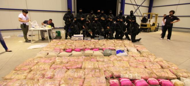 Καρτέλ ναρκωτικών στην Αθήνα -Εκρυβαν ένα τόνο ηρωίνης σε βίλα της Φιλοθέης