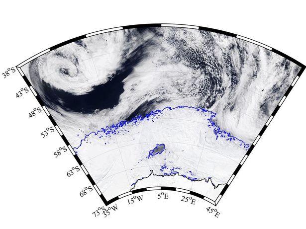 Μια γιγάντια τρύπα ίση με την Ολλανδία εμφανίστηκε στην Ανταρκτική [εικόνες]  | iefimerida.gr 0