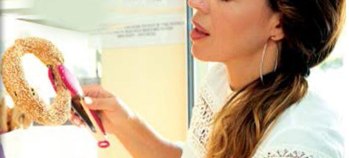 Γνωστή Ελληνίδα ηθοποιός δουλεύει τα πρωινά σε κυλικείο σχολείου [εικόνες]