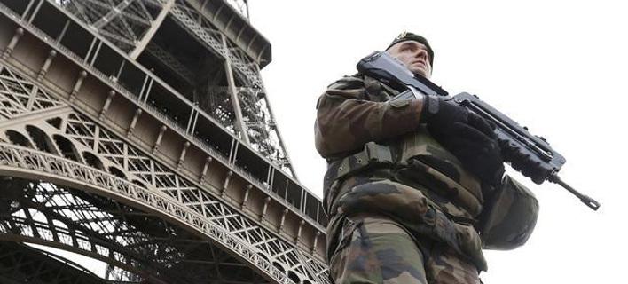 Σταυρίδης: Το ΝΑΤΟ θα στείλει 15.000 στρατιώτες στη Συρία κατά του ISIS