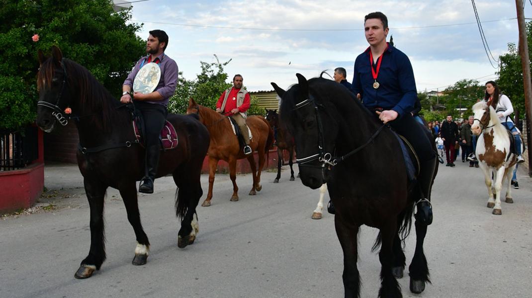 Λιτανεία με άλογα στο Ναύπλιο