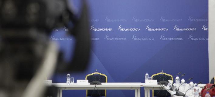 ΝΔ: Κυβερνητικά αδιέξοδα σε Σκοπιανό και Novartis