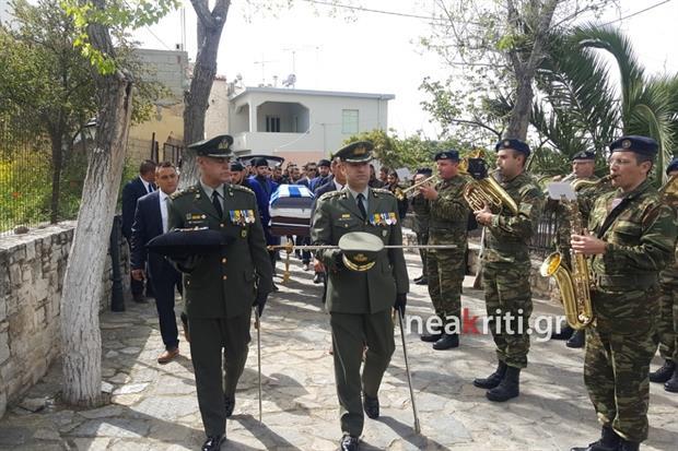 Αβάσταχτη οδύνη στην κηδεία του υποστράτηγου Γ. Τζανιδάκη [εικόνες] Neakriti-news-image_1_1