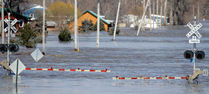 Πλημμύρες στη Νεμπράσκα (Φωτο: AP/Nati Harnik)