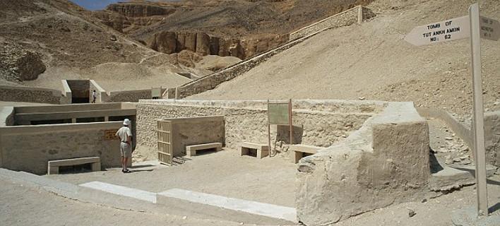 Αίγυπτος: Μυστική πύλη για τον τάφο της Πριγκίπισσας Νεφερτίτης - Ανακαλύφθηκε από Αγγλο αρχαιολόγο [εικόνες]