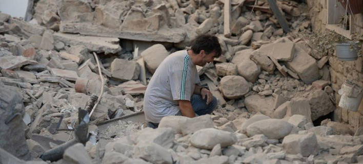 Ανείπωτη τραγωδία στην Ιταλία – Ξεπέρασαν τους 120 οι νεκροί από τον σεισμό, χωριά «εξαφανίστηκαν»