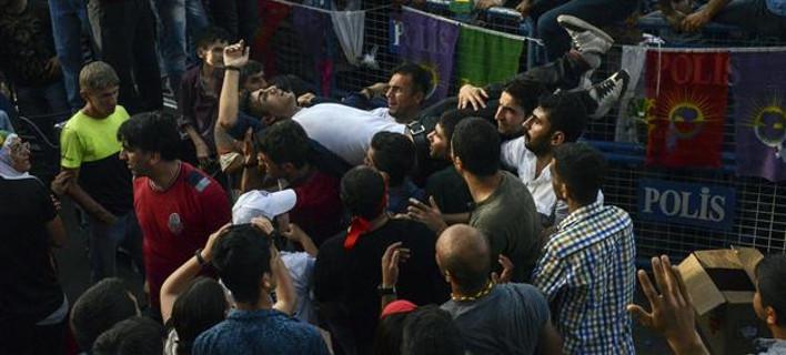 Χαμός στην Τουρκία: Τρεις νεκροί μετά τις εκλογές-Παραιτήθηκε ο Νταβούτογλου