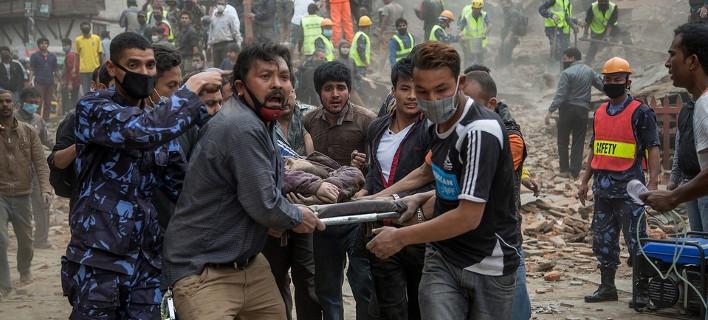 Τραγωδία δίχως τέλος στο Νεπάλ -Ξεπέρασαν τους 1.900 οι νεκροί από τον τρομακτικό σεισμό [εικόνες]