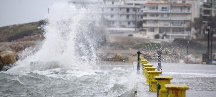 Εντονα καιρικά φαινόμενα στο λιμάνι της Ραφήνας /Φωτογραφία: EUROKINISSI